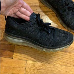 Nike size 8.5 flyknit max